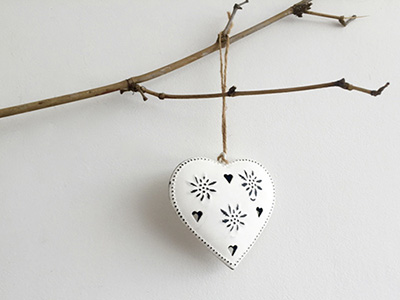 white-metal-heart_1